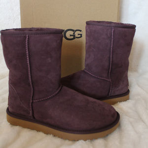 UGG CLASSIC SHORT SUEDE SHEARLING BOOTS